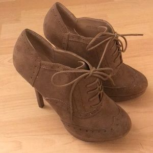 Grey-brown suede Boot heels